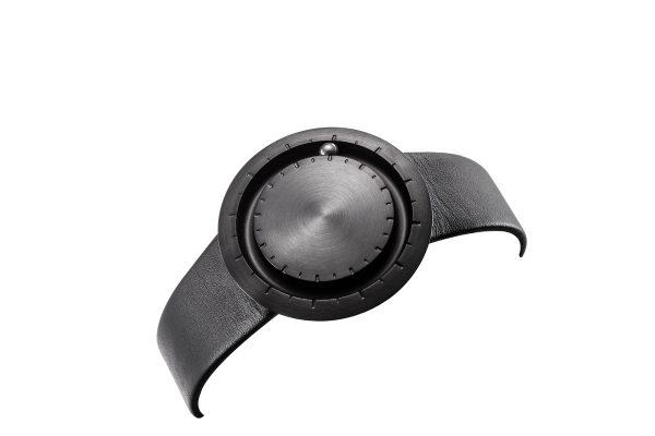 lavaro-schwarz-1b